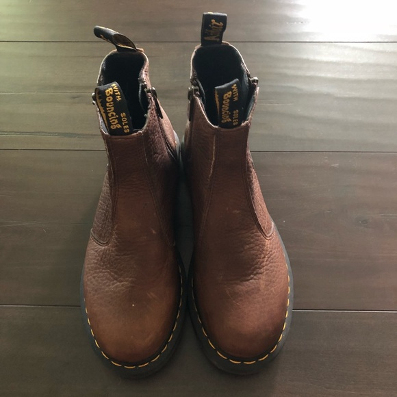 13112d78496b2 Dr. Martens Shoes - Dr Martens 2976 w Zips Size 8